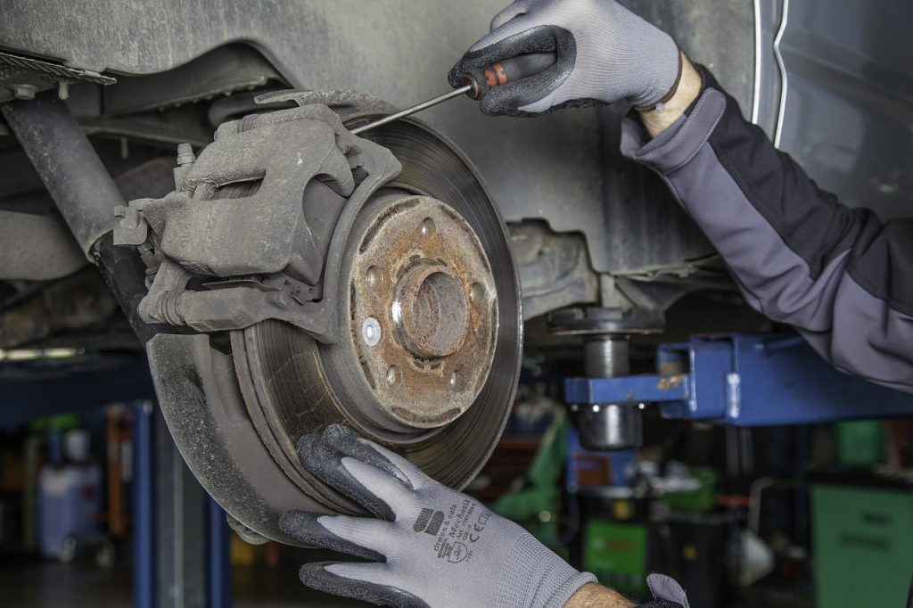 brake disc, workshop, auto-1749633.jpg